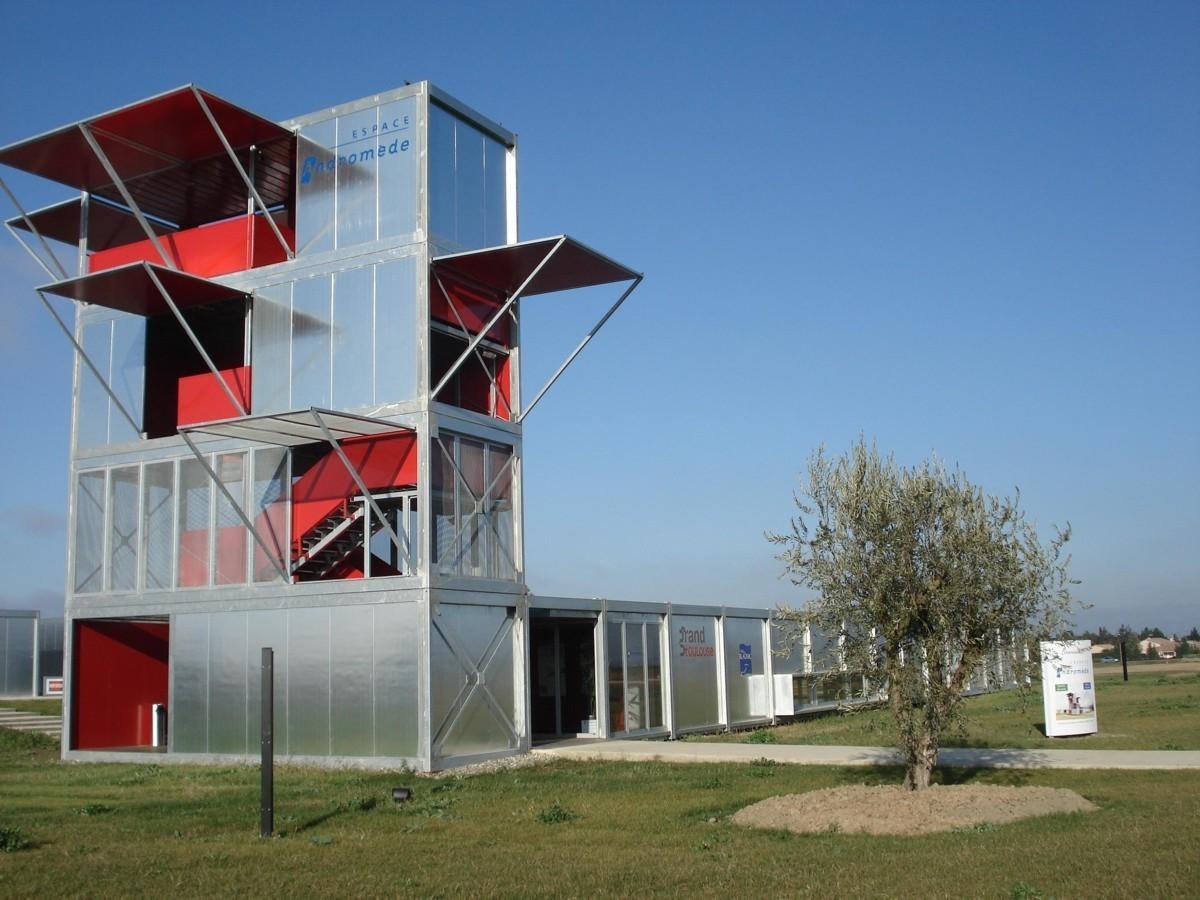 Espace andromède, lieu contemporain d'exposition, construit par Jipé.
